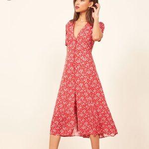 Dresses & Skirts - Reformation dress
